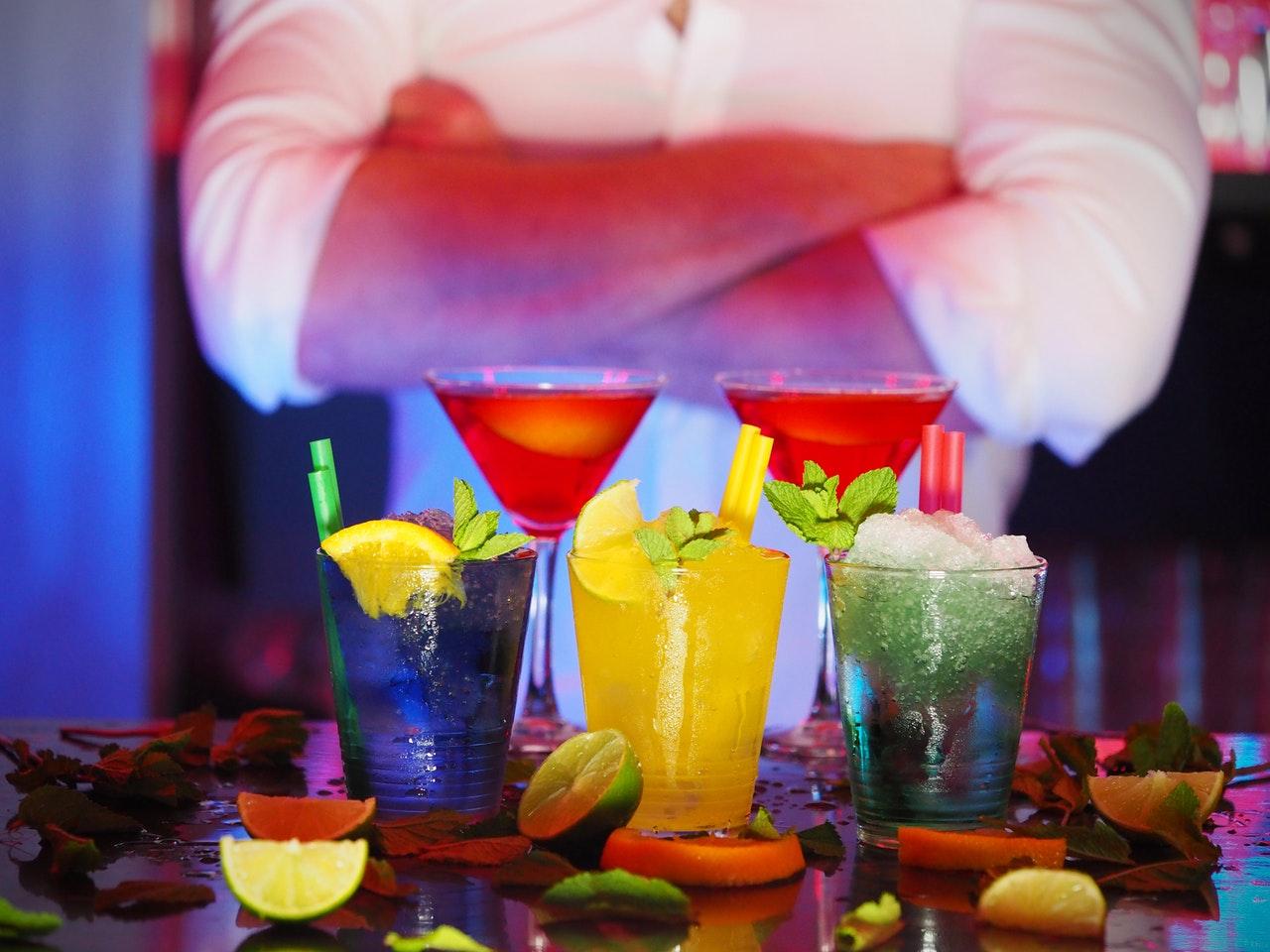Alkohol podľa abecedy – koňak, likéry, margarita, martini